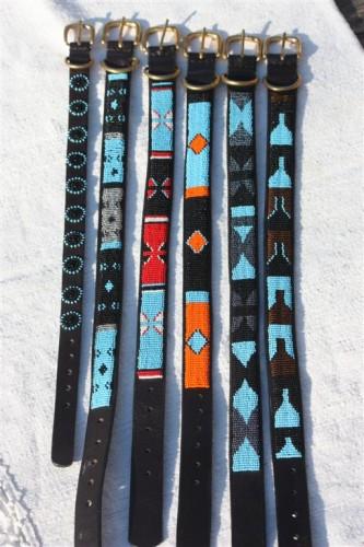 Halsband, turkos färg
